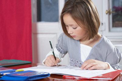 Bài tập toán của bé 8 tuổi khiến phụ huynh cả thế giới đau đầu - 1