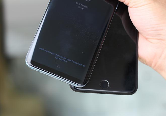 Kỳ phùng địch thủ: Chọn Galaxy S8+ hay iPhone 7 Plus? - 6