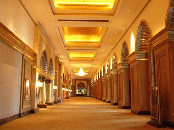 Khách sạn 8 sao duy nhất TG, giá 2.7 tỷ/đêm, đặt phòng nhận ngay máy tính bảng - 5