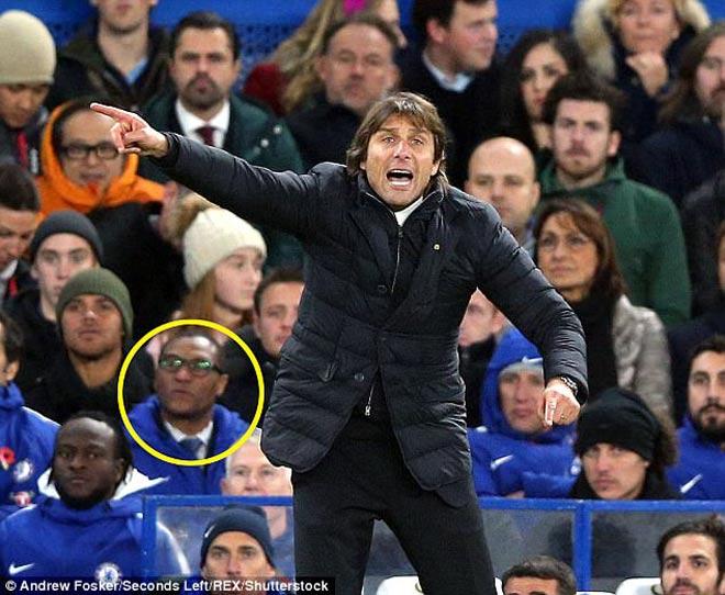 Chelsea căng thẳng tột độ: Trụ cột bật Conte, sếp lớn từ chức gây sốc