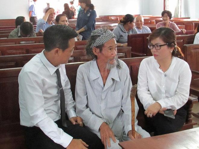 Tòa miễn hình phạt cho cụ ông 84 tuổi bị con đòi bỏ tù - 4