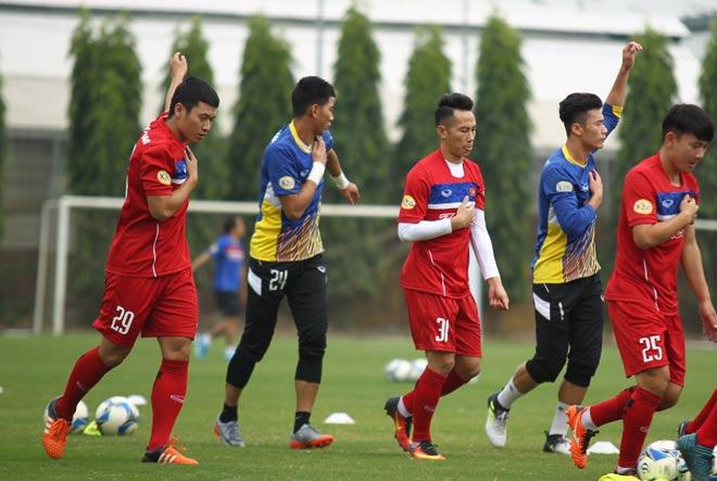 Văn Thuận: Tiền vệ 9x sút xa ảo diệu như Beckham ở ĐT Việt Nam - 2