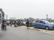An ninh Xã hội - HN: Phát hiện thi thể nam giới nổi trên hồ Định Công