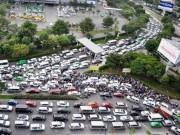 """Tin tức trong ngày - Đề xuất thu phí ô tô để """"giải cứu"""" kẹt xe triền miên ở Tân Sơn Nhất"""