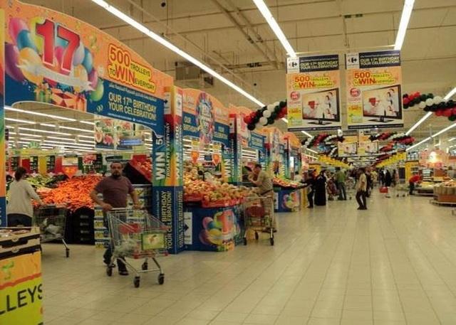Giàu có nhất nhì thế giới nhưng siêu thị Dubai lại bán hàng cực rẻ - 1