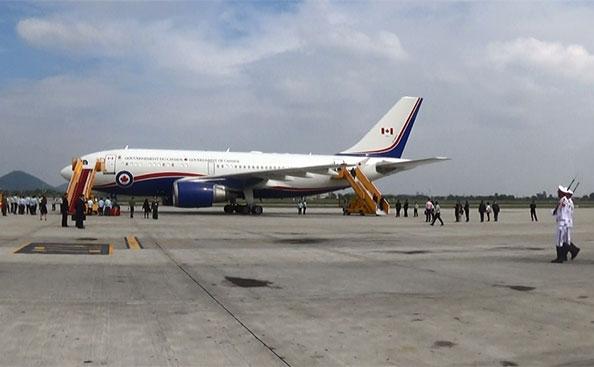 Thủ tướng điển trai của Canada đã tới Hà Nội, thăm chính thức Việt Nam