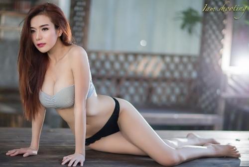 Cô giáo thể dục nổi danh đất Thái vì chăm diện áo chưa đầy gang tay - 5