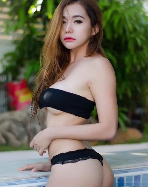 Cô giáo thể dục nổi danh đất Thái vì chăm diện áo chưa đầy gang tay - 10