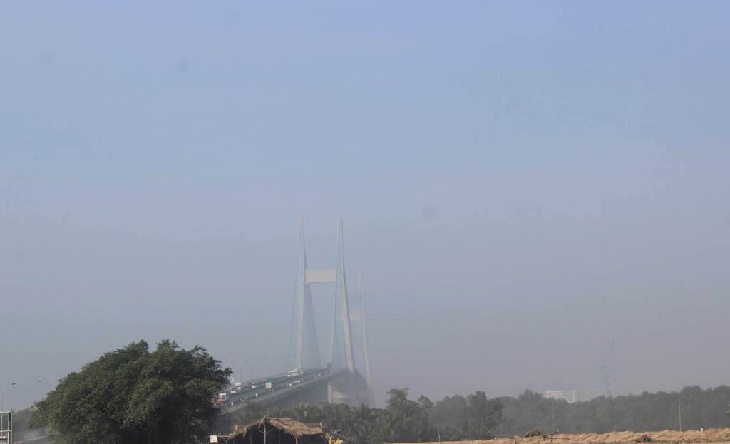 Ảnh: Sài Gòn bồng bềnh trong sương mù dày đặc - 13