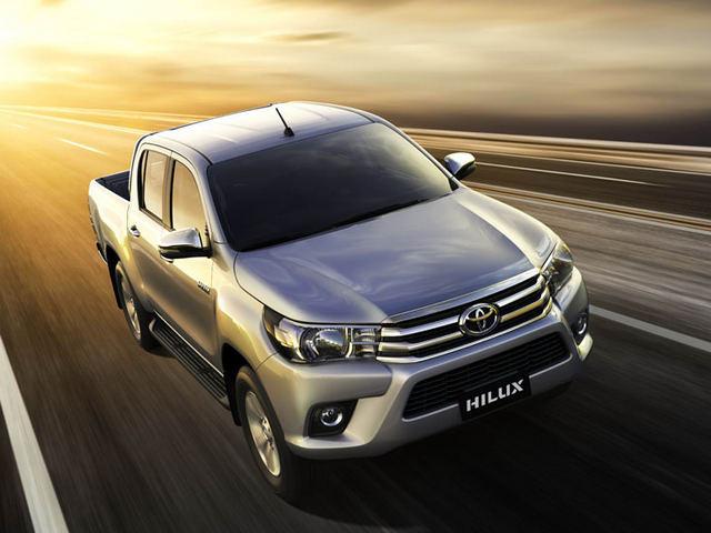 Toyota Hilux 2017 giá từ 631 triệu đồng tại Việt Nam - 1