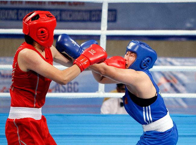 Người đẹp boxing Việt Nam vô địch châu Á sau trận kịch chiến 10