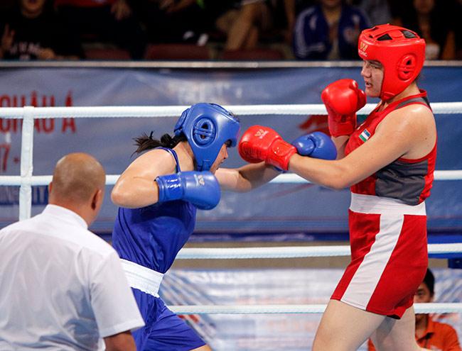 Người đẹp boxing Việt Nam vô địch châu Á sau trận kịch chiến 11