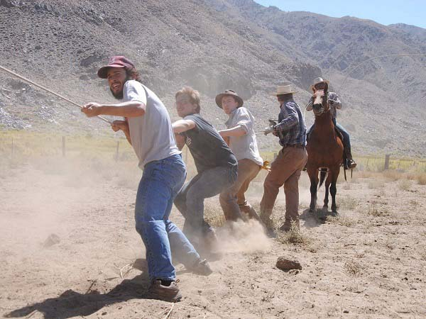 Cuộc sống tại ngôi trường đặc biệt giữa sa mạc chỉ có 30 sinh viên - 8