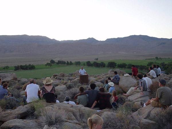 Cuộc sống tại ngôi trường đặc biệt giữa sa mạc chỉ có 30 sinh viên - 11