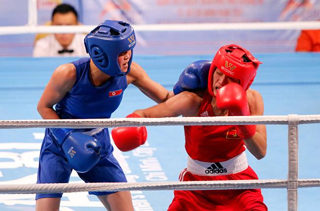 Người đẹp boxing Việt Nam vô địch châu Á sau trận kịch chiến 2