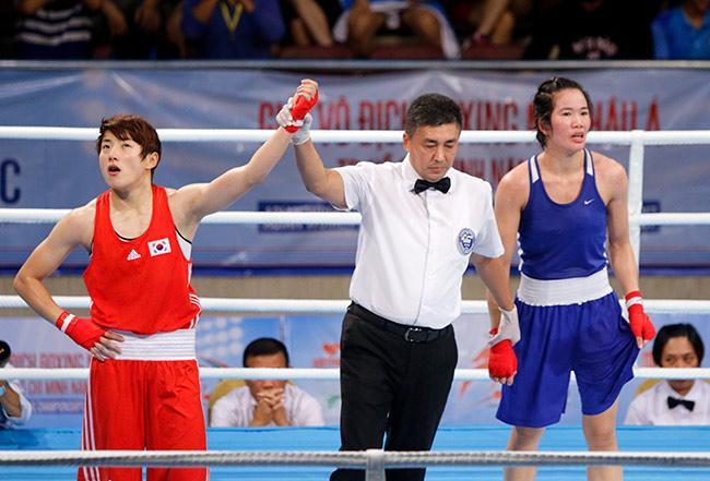 Người đẹp boxing Việt Nam vô địch châu Á sau trận kịch chiến 9