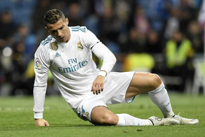 """""""Vua FIFA"""" Ronaldo tịt ngòi: Đàn em ở Real vượt mặt, sắp mất ngai vàng - 2"""