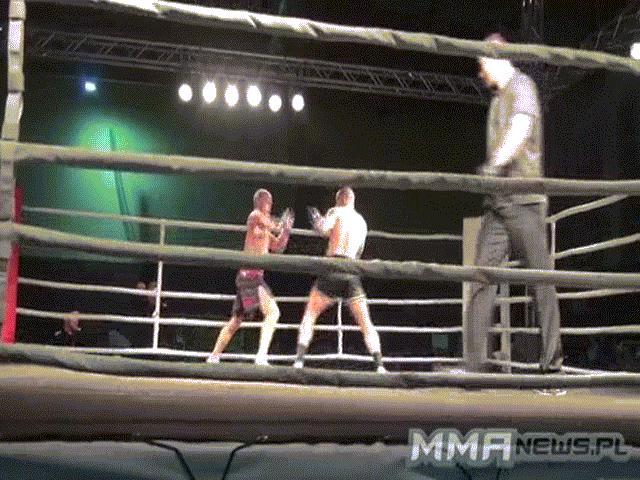 """MMA: """"Dị nhân"""" cụt tay 192 giây hạ 4 cao thủ, kinh động thế giới 2"""