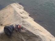 Để lại hộp quà, nam thanh niên nhảy xuống sông tự tử