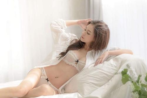 """Mỹ nữ Thái chuyên mặc đồ mỏng, hở bất chấp hoàn cảnh khiến bao anh """"xót xa"""" - 4"""