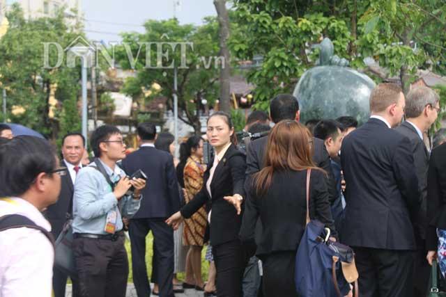 Nóng 24h qua: Xuất hiện nhiều nữ đặc vụ xinh đẹp bảo vệ an ninh APEC