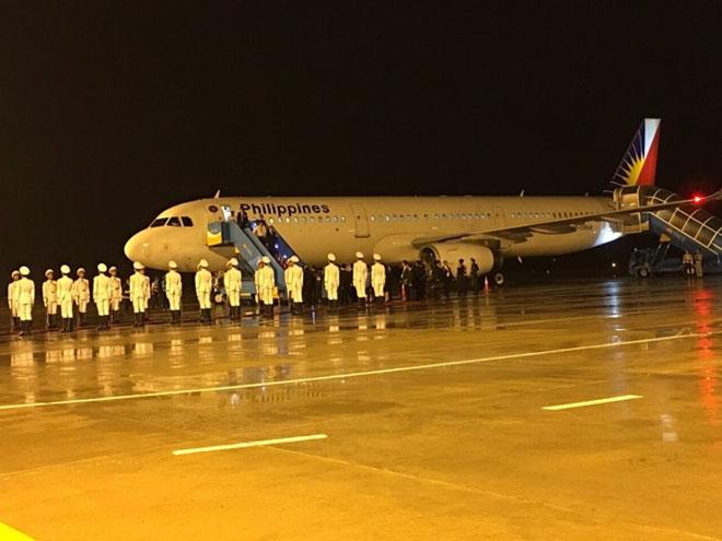 """Dàn chuyên cơ """"khủng"""" tấp nập đáp xuống sân bay Đà Nẵng dự APEC - 1"""