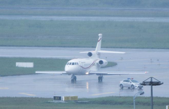 """Dàn chuyên cơ """"khủng"""" tấp nập đáp xuống sân bay Đà Nẵng dự APEC - 4"""