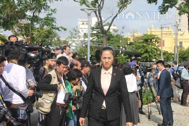 """Nữ đặc vụ xinh đẹp của Việt Nam làm """"lá chắn sống"""" tại APEC"""