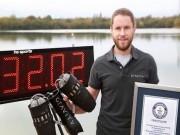 """Video:  """" Iron Man """"  bay ngoài đời thực, xác lập kỷ lục thế giới"""