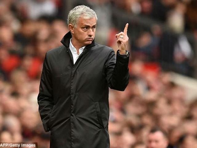 """""""Nòng súng"""" Lukaku gặp vấn đề, Mourinho bất lực: Thầy cũ hiến phép lạ 4"""