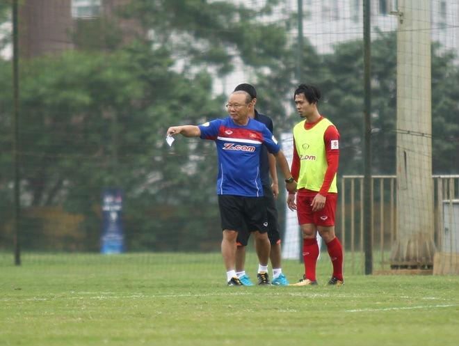 HLV Park Hang Seo lệnh Công Phượng tập bài tủ của MU – Mourinho - 2