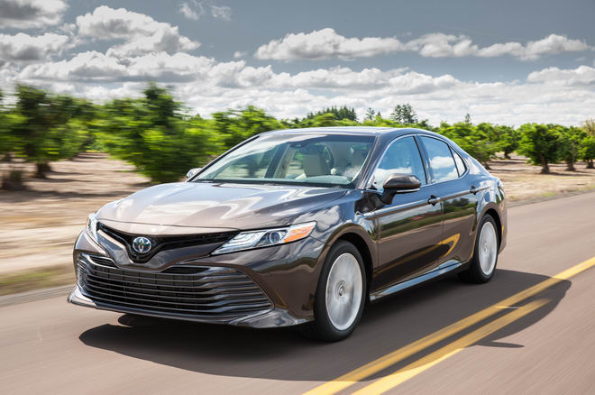 Trải nghiệm Toyota Camry 2018 và Honda Accord 2018 - 2