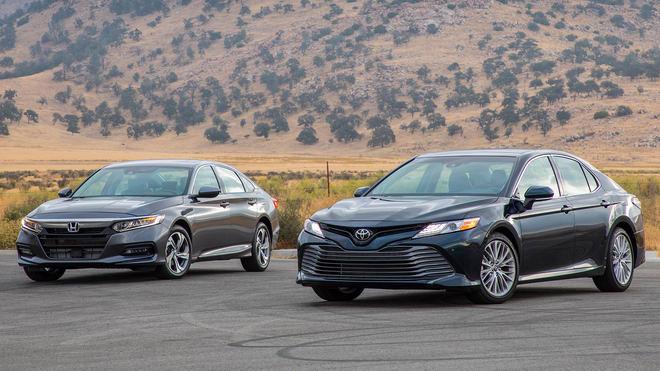 Trải nghiệm Toyota Camry 2018 và Honda Accord 2018 - 1