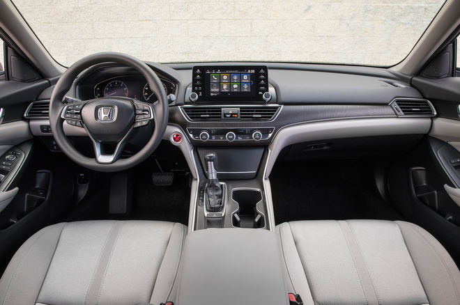 Trải nghiệm Toyota Camry 2018 và Honda Accord 2018 - 6