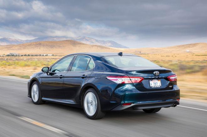 Trải nghiệm Toyota Camry 2018 và Honda Accord 2018 - 11