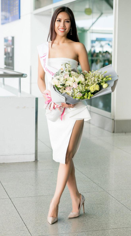 Nguyễn Thị Loan mặc trễ nải đi Mỹ thi hoa hậu Hoàn vũ - 1