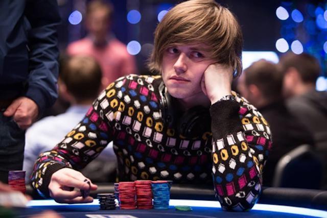 Thiên tài số học kiếm 22,3 tỷ/năm nhờ chơi bài Poker