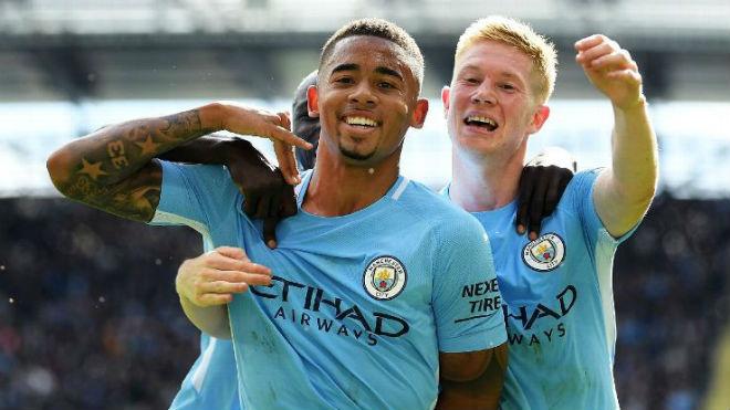 """Siêu đội hình MU - Man City 700 triệu bảng: De Bruyne """"cưỡi cổ"""" Lukaku 2"""
