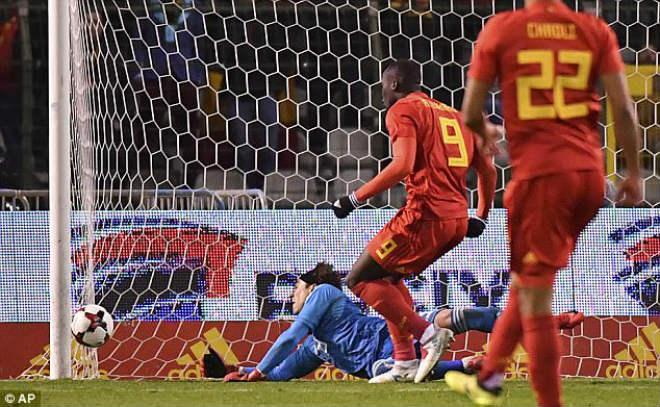 """Lukaku bùng nổ 2 bàn: Hừng hực khí thế """"báo thù"""" triệu fan MU - 1"""
