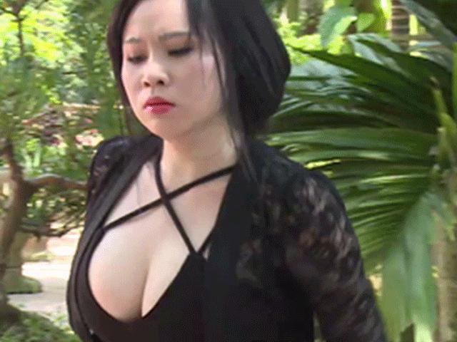 """Thực hư cát xê """"ảo diệu"""" hàng trăm triệu của  dàn người đẹp Việt diễn hài"""