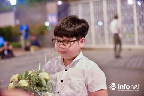 Hồ sơ đáng nể của cậu bé được Tổng thống Donald Trump tặng hoa - 2