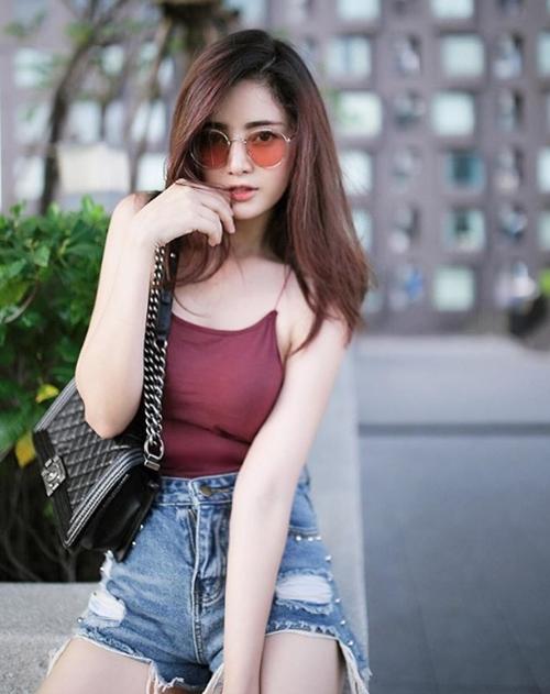 Không có mùa đông nên con gái Thái Lan mê mẩn áo dây lả lơi như sắp rơi - 13