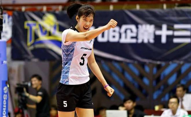 """Bóng chuyền: Thanh Thúy 20 tuổi 1m93, ghi 40 điểm """"hủy diệt"""" đối thủ 1"""