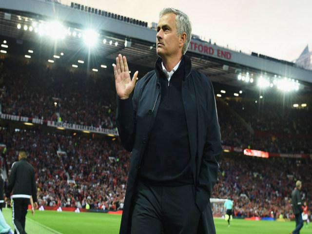 """MU & """"Pháo đài"""" Old Trafford: 38 trận bất bại & điềm báo của nhà vô địch - 3"""