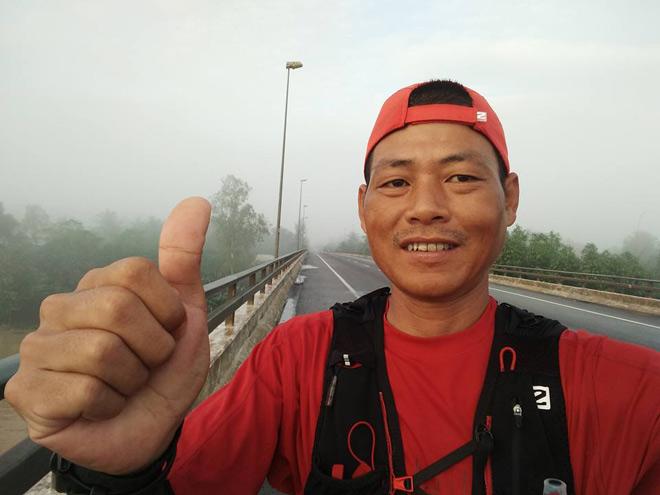 """Người hùng """"không phổi"""" chạy xuyên Việt 1.868km - 1"""