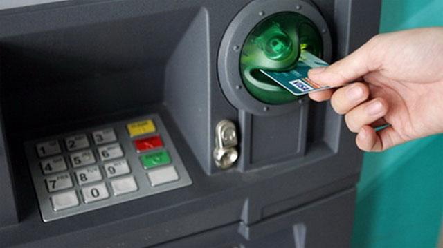 Thẻ tín dụng có thể chỉ được rút tối đa 5 triệu đồng/ngày - 1