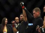 Đòn hiểm UFC: Cước đi trước quyền tới sau, đau điếng toàn thân