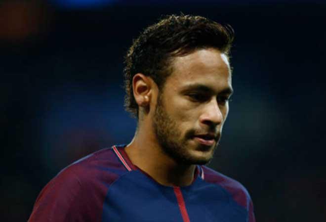 Real bị PSG bắt bí: Mua Neymar phải hy sinh nhạc trưởng - 1