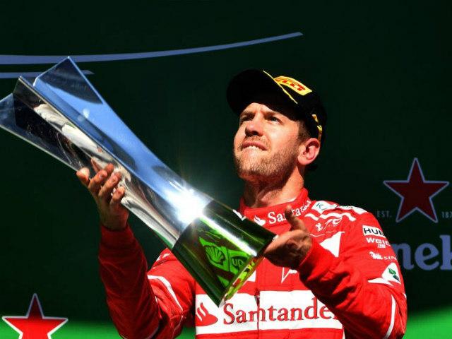 """Đua xe F1: """"Ngựa chiến"""" quần thảo, sắc đỏ bao trùm 6"""
