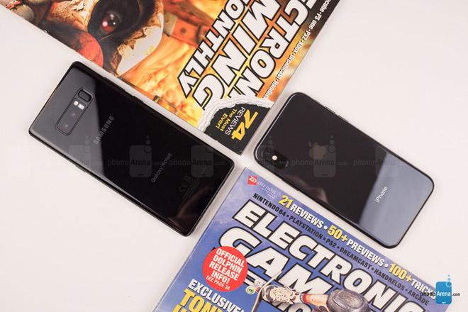 """So sánh iPhone X với Galaxy Note 8: """"Cuộc chạm trán nảy lửa"""" - 3"""